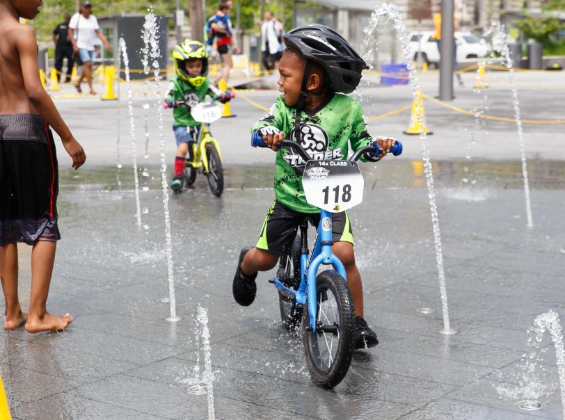 jooksuratas vihmaga